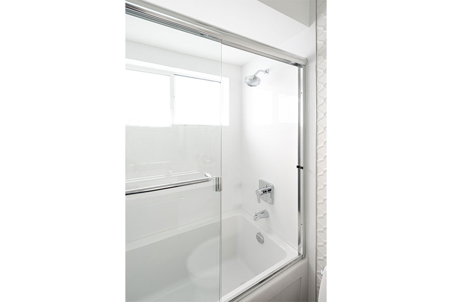 Framed Shower Slider 002
