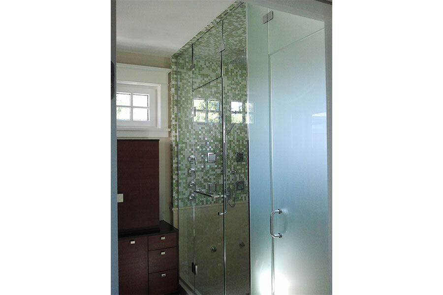 Inline Frameless Shower Door 011
