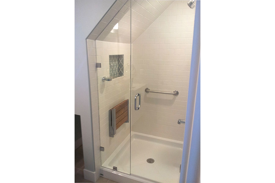 Inline Frameless Shower Door 013